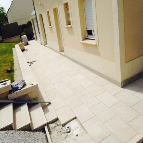 Granit Blockstufen Anthrazit 18 x 40 cm 50 cm lang