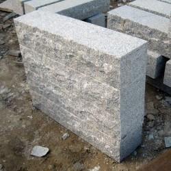 Granit Blockstufen Griys Hellgrau 20 x 35 cm