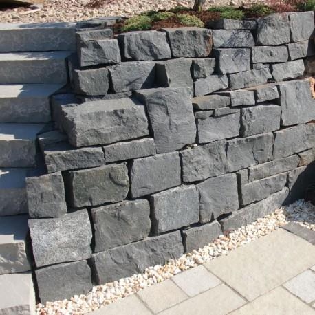 Kalkstein Blockstufen Blancka Flava 15 x 35 cm 100 cm lang sandgestrahlt