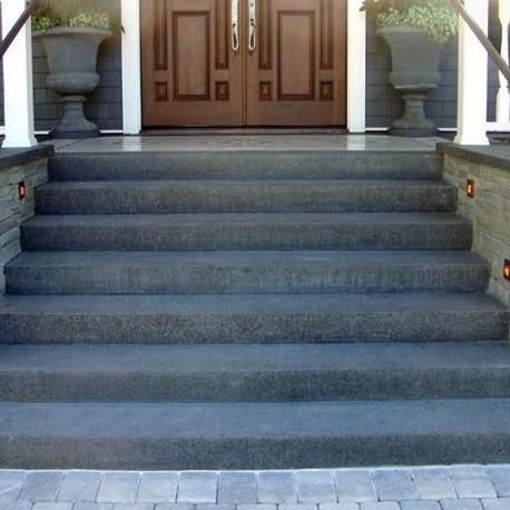Granit Blockstufen Elena Weißgrau 15 x 45 cm geflammt 100 cm lang