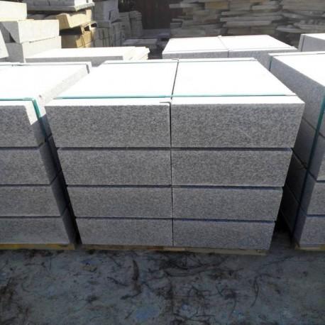 Granit Pfosten grau 20 x 20 cm geflammt 250 cm lang