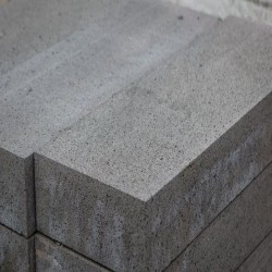 Basaltlava Blockstufen Vulcano Grau 15 x 35 cm geschliffen