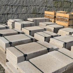 Granit Schotter Rot lose Körnung 8 - 16 doppelt gebrochen