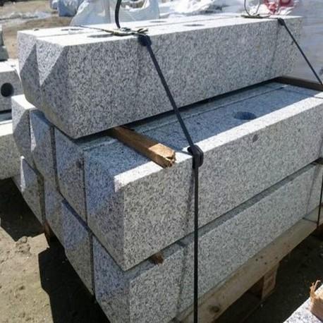 Granit Mauersteine Hellgrau 10 cm hoch auf Paletten