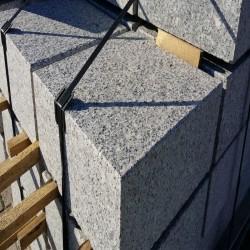 Granit Pflastersteine Griys Hellgrau gespalten