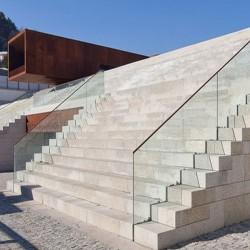 Granit Blockstufen Volga Dunkelgrau